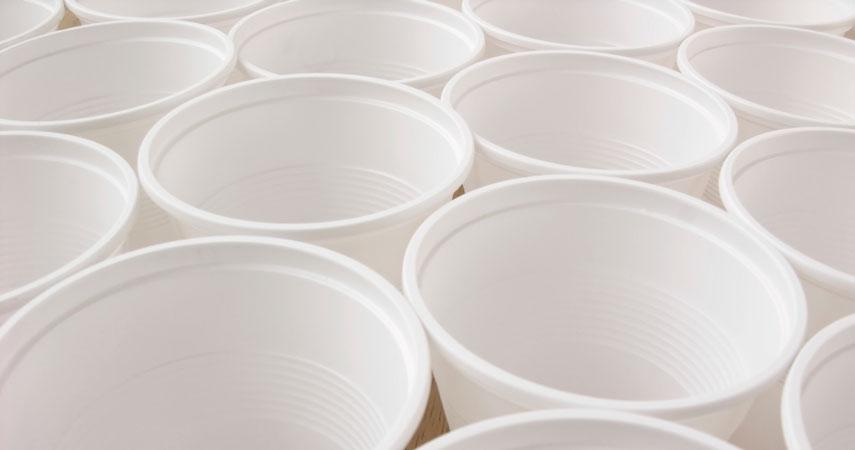 recycler et trier les gobelets plastique en entreprise. Black Bedroom Furniture Sets. Home Design Ideas